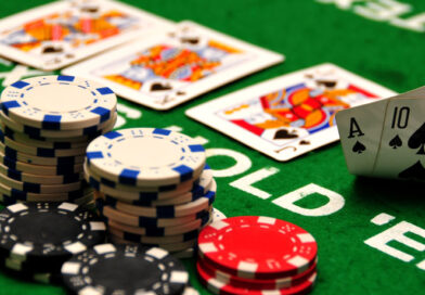How to deal with the ups and downs while playing poker game